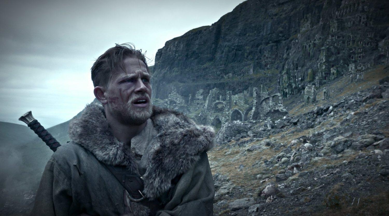 Rei Arthur: A Lenda da Espada ganha novos cartazes